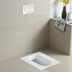Grand zoom sur le wc à la turque